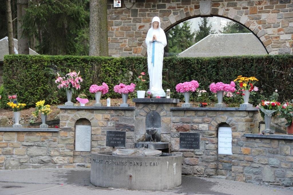 Notre-Dame de Banneux - source