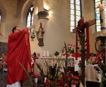 Encensement de la croix glorieuse