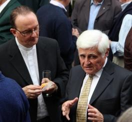 L'abbé Jean-Marc Ista et M. Didier Deru