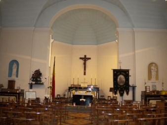 Oneux - l'intérieur de l'église