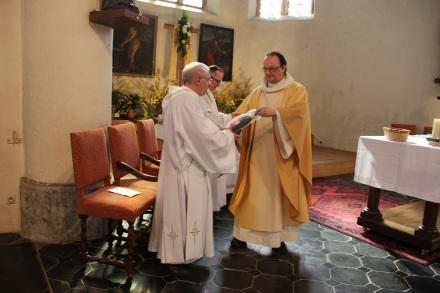 Merci de notre curé à l'abbé Villers et à Jacques Delcour !