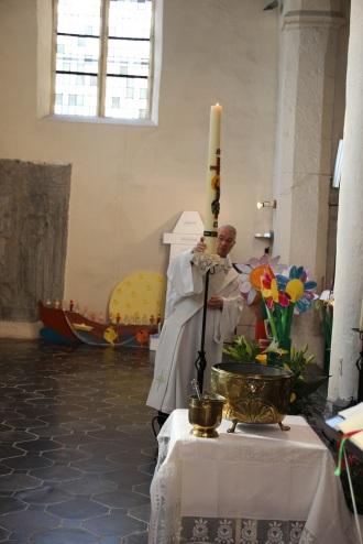 Installation du cierge pascal