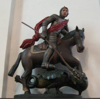Oneux - la statue du patron de la paroisse, saint Georges