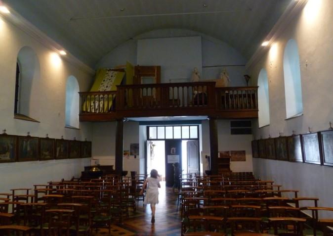 La nef de l'église