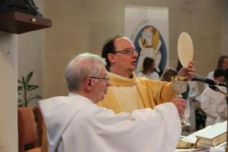 L'abbé Jean-Marc Ista et le diacre Jacques Delcour