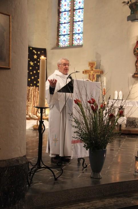 2017-12-25 - Messe du jour de Noël - Theux - Proclamation de l'évangile