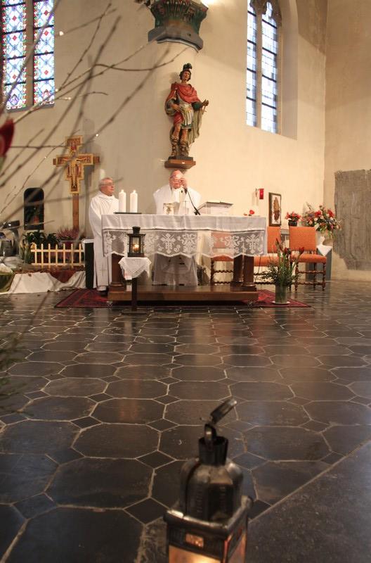 2017-12-25 - Messe du jour de Noël - Theux - Consécration du Pain
